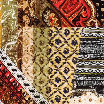 Tissu crêpe viscose motif patchwork ethnique