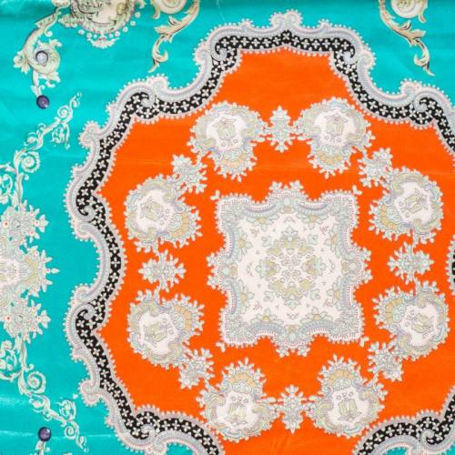 Satin imprimé foulard bleu et orange