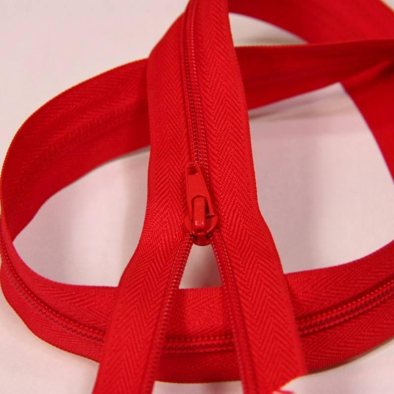 Fermeture à glissière au mètre rouge