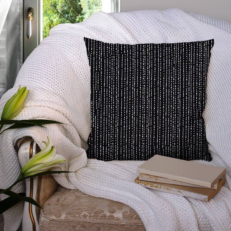 Coton noir motif tirets irréguliers blancs