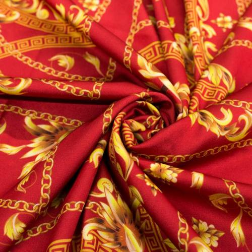 Satin rouge motif foulard et arabesques or