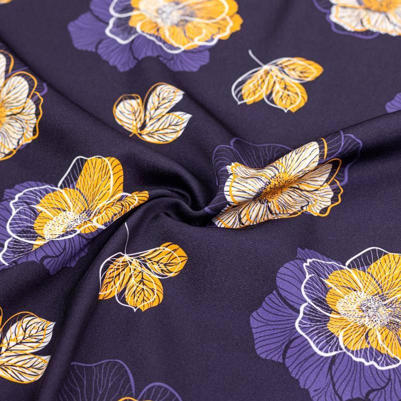 Satin bleu marine imprimé multi-fleurs