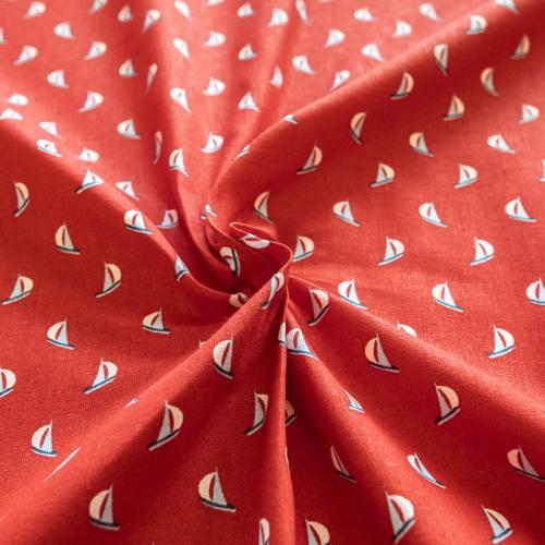 Coton rouge motif voilier écru, bleu et rouge