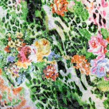 Jersey léger écru motif jungle verte fleurie