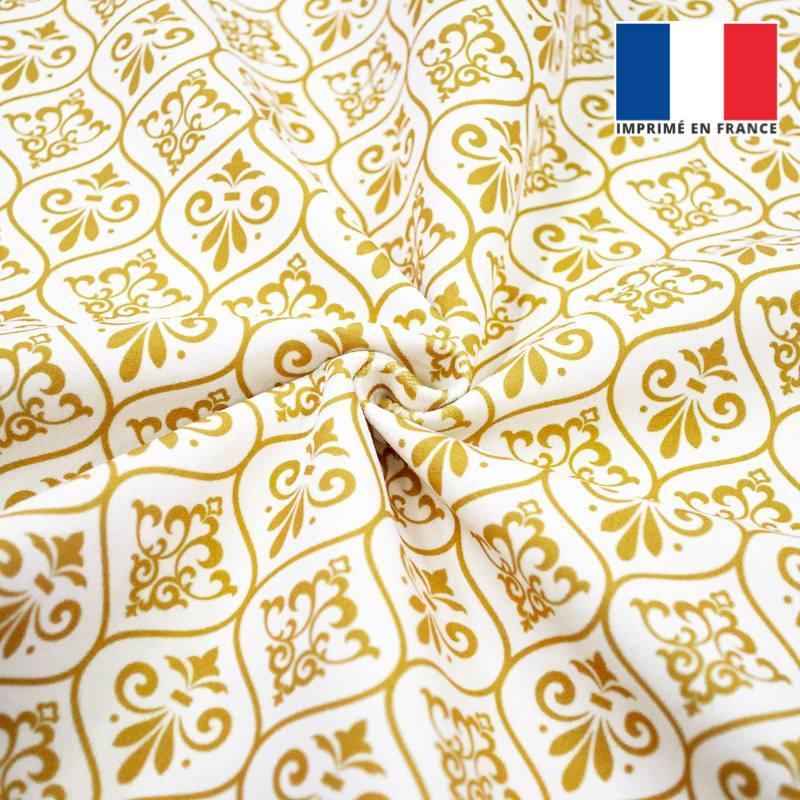Velours écru motif ornements baroques jaune or