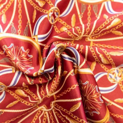 Satin rouge carmin imprimé chaine et ruban bleu et blanc