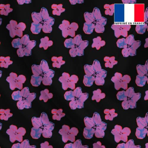 Satin noir imprimé fleur d'hibiscus floutée