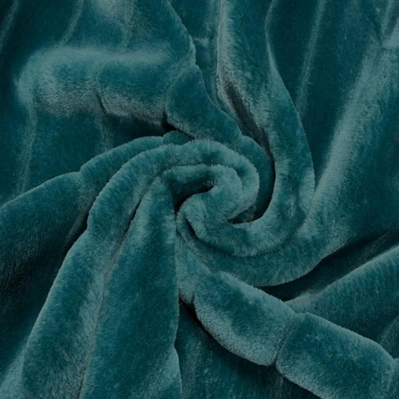 Fausse fourrure bleu canard poils ras et rainures