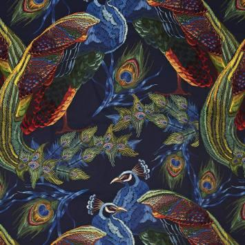 Tissu occultant bleu foncé motif paon brodé