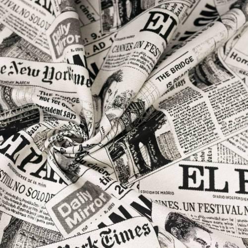 Coupon 50x68cm - Jacquard blanc cassé motif journaux noirs