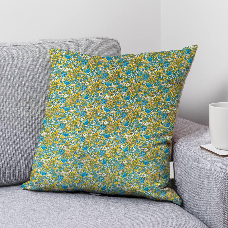 Coton jaune motif fleurs bleues et blanches apolline