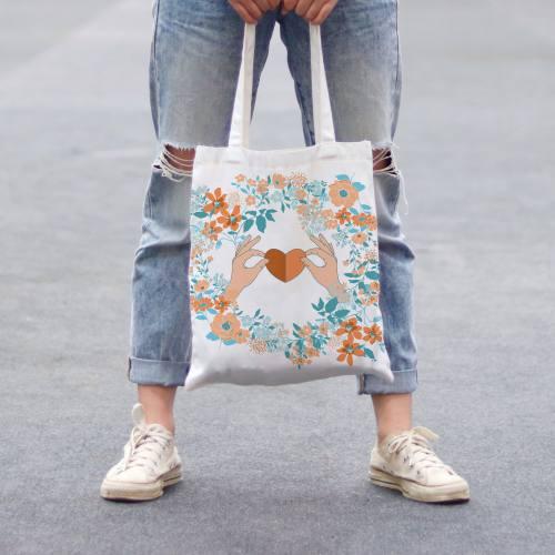 Coupon 45x45 cm toile canvas écrue motif fleur et coeur orange et bleu