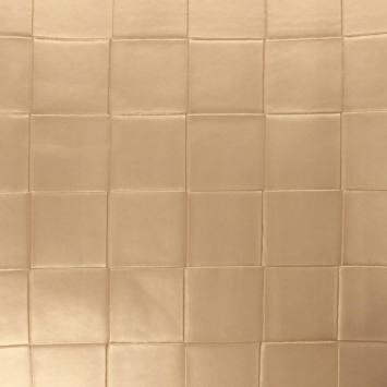 Simili nacré couleur beige à carreaux en relief