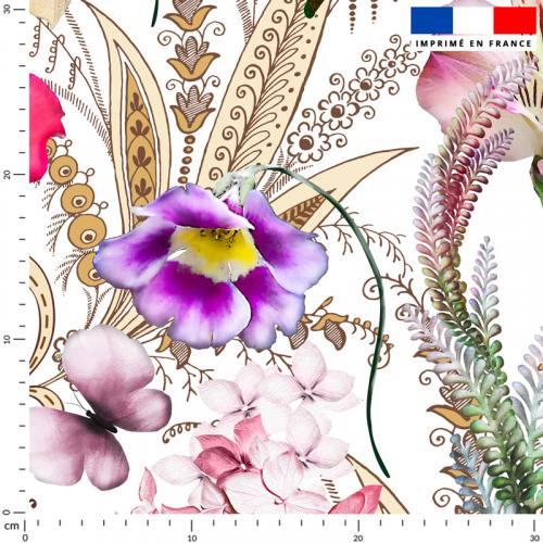 Tissu occultant écru motif grosses fleurs palmes et papillons