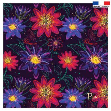 Coupon 45x45 cm noir motif big flowers rouges - Création Pilar Berrio