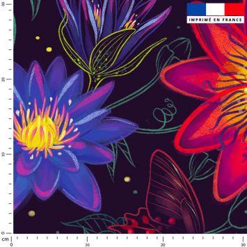 Big flowers rouges - Fond noir - Création Pilar Berrio