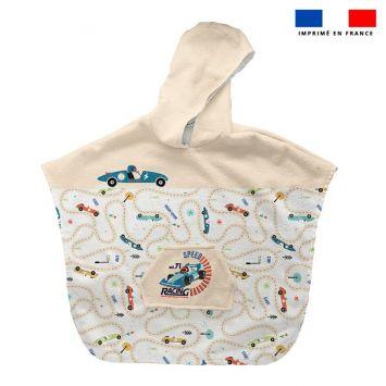 Patron imprimé sur tissu éponge pour poncho de bain motif course de voiture