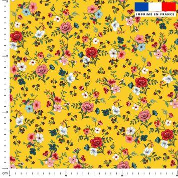 Petites fleurs champêtres rouges - Fond ocre
