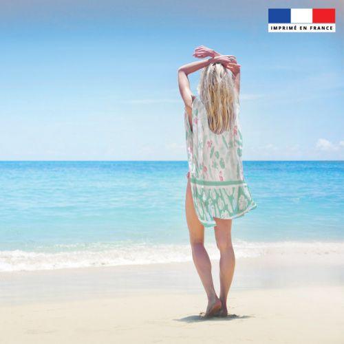 Coupon 135x200 cm de mousseline pour poncho de plage motif flamant
