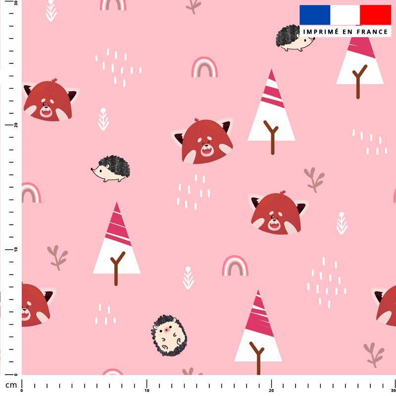 Panda roux et arc-en-ciel - Fond rose