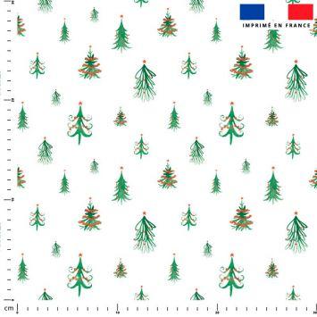 Sapin de Noel vert déco rouge - Fond blanc