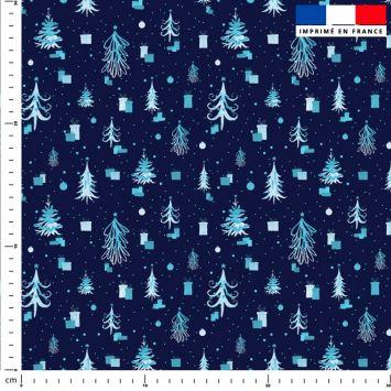 Sapin de Noel et cadeau bleu - Fond bleu marine