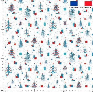 Sapin de Noel et cadeau rouge et bleu - Fond blanc