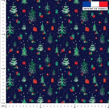 Sapin de Noel et cadeau vert et rouge - Fond bleu nuit