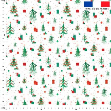 Sapin de Noel et cadeau vert et rouge - Fond blanc