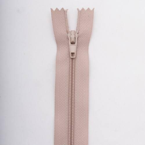 Fermeture 55cm polyester non séparable beige col 156