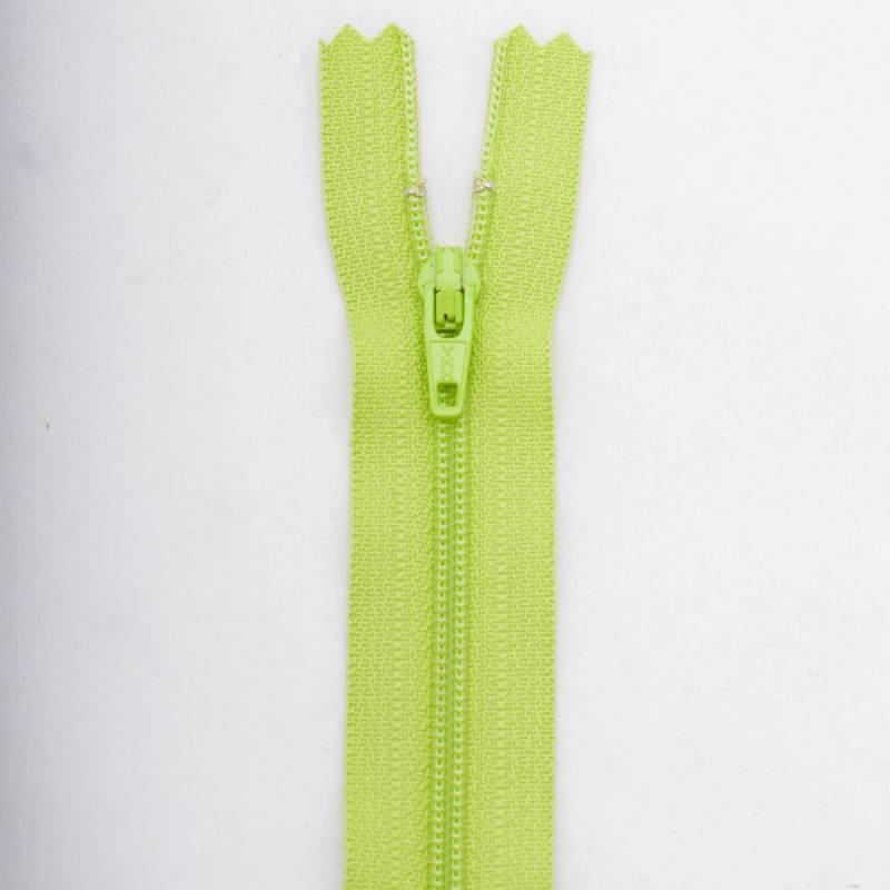Fermeture 18 cm Polyester non séparable vert col 177