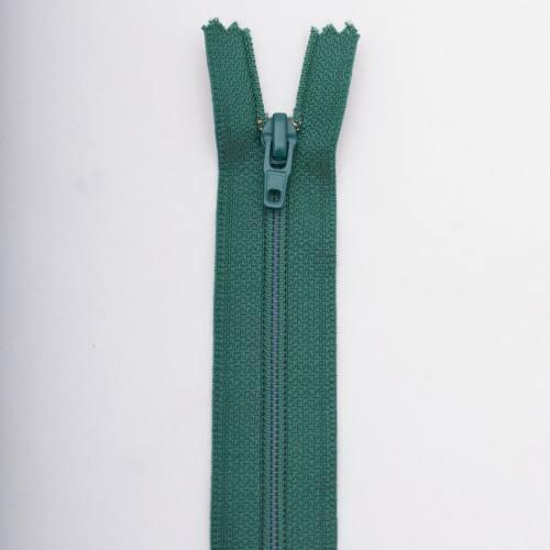 Fermeture 25 cm polyester non séparable vert Col 137