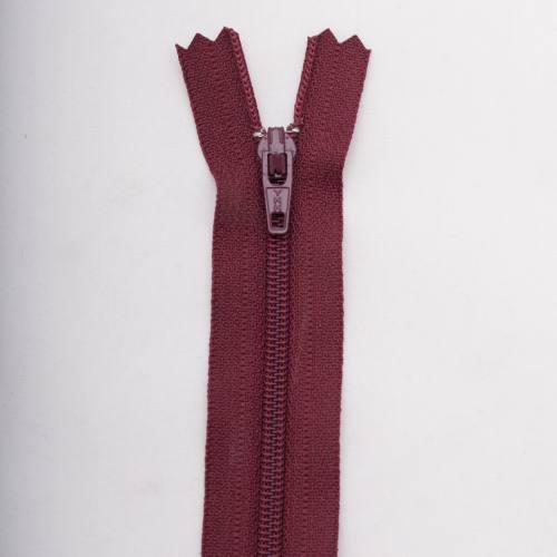 Fermeture 25 cm polyester non séparable bordeaux Col 116