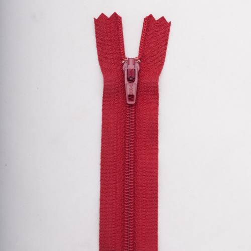 Fermeture 50 cm polyester non séparable bordeaux Col 114