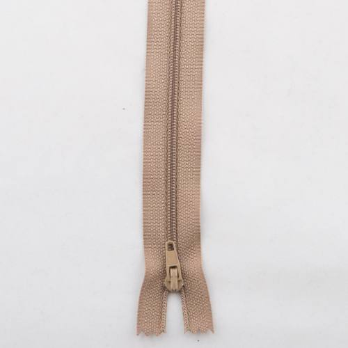 Fermeture polyester 50cm non séparable Col 157