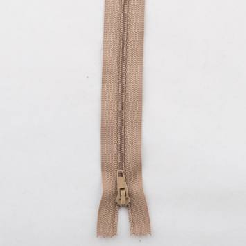 Fermeture polyester 45cm non séparable Col 157