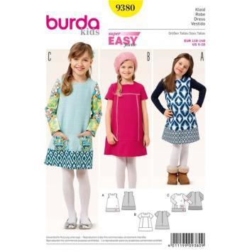 Patron Burda 9380: Robe Taille : 110 à 140 cm