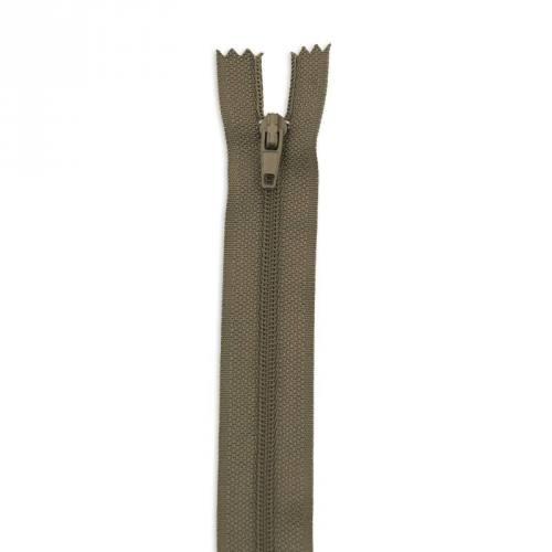 Fermeture 55 cm polyester non séparable kaki col 150
